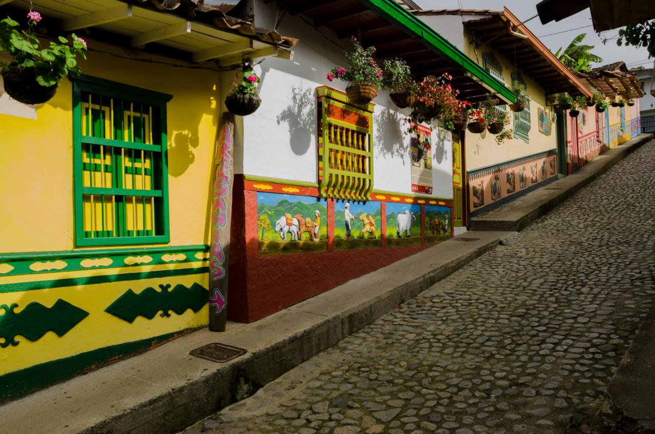Architecture: The Bahareque culture in Colombia